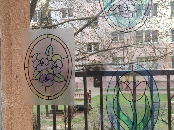 Prosty witraż – praca przedszkolaka