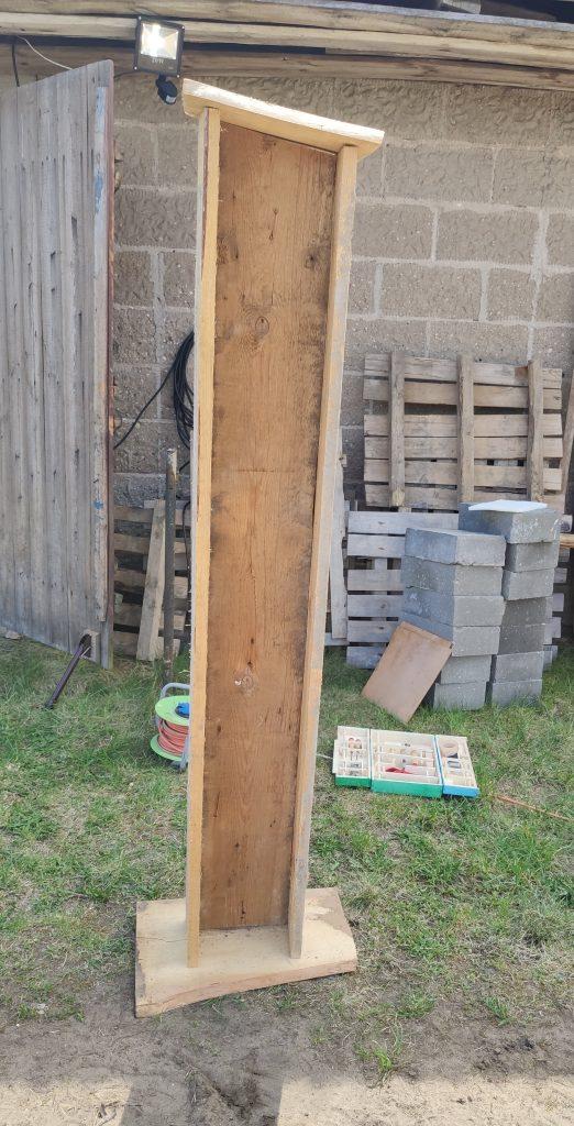Podstawa do budowy domku dla owadów